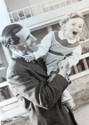 Miguel Torga con su hija Clara